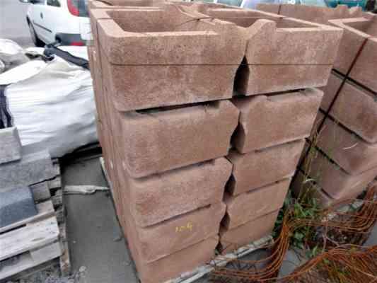 Bacs béton pour mur soutènement à fleurir