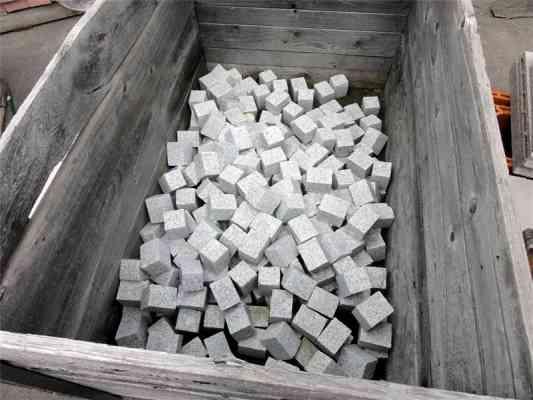 Pavés granit gris 6x6x8 cm