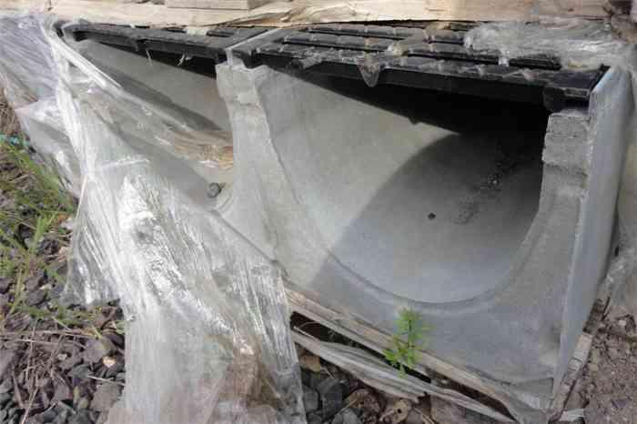 Caniveau ciment à grille fonte DN400