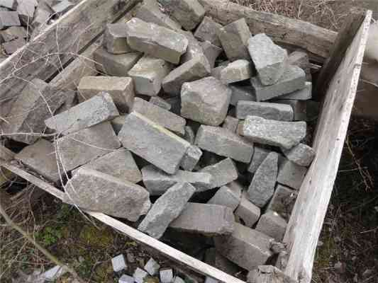 Pavés en lave du Cantal 10x20 cm