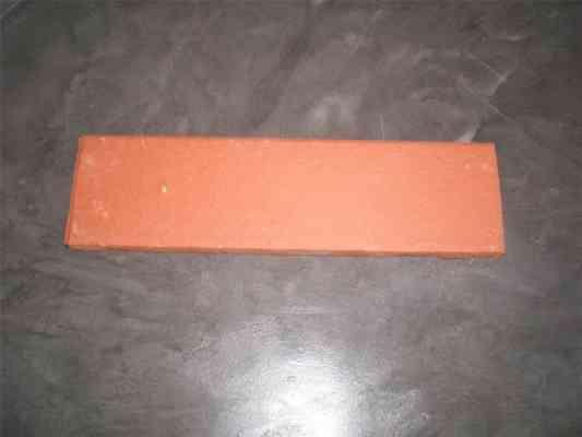 Briquette de parement rouge
