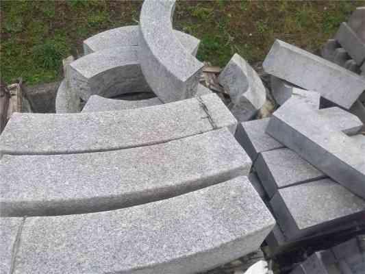 Bordures courbes granit gris 20x30cm